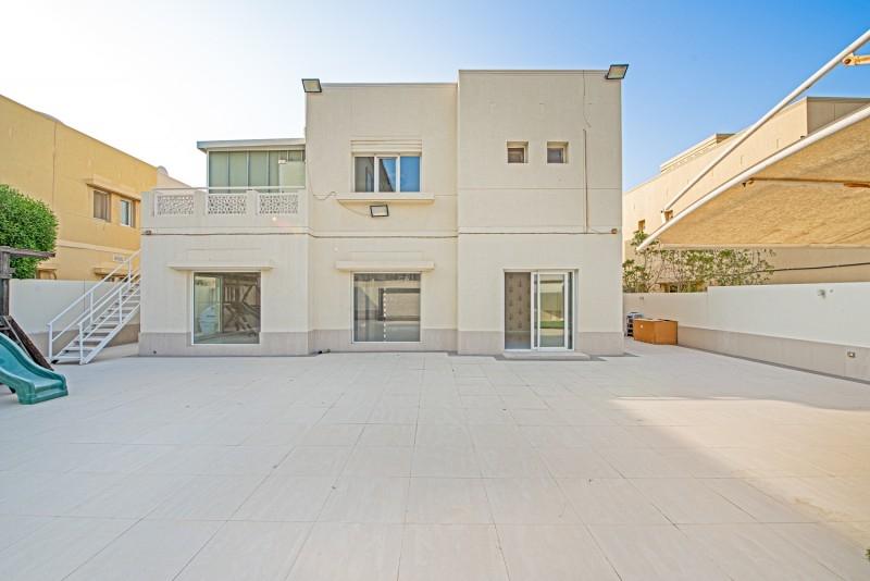 4 Bedroom Villa For Rent in  Meadows 4,  Meadows   16