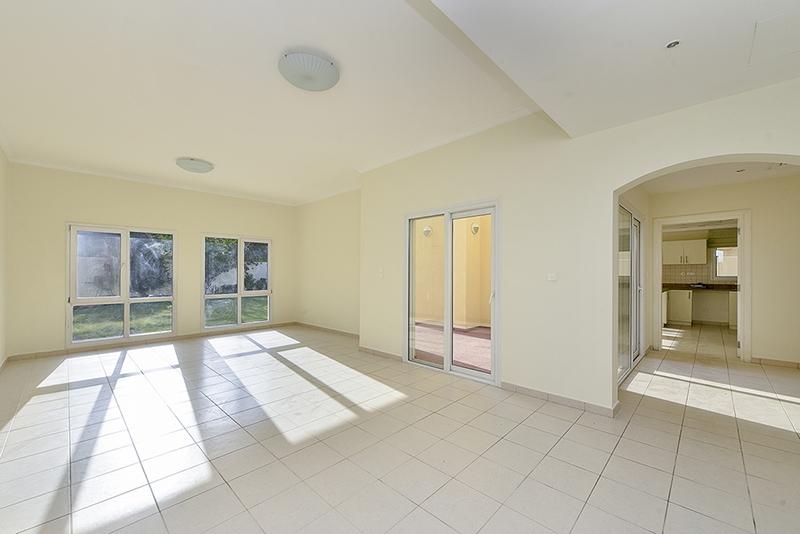 4 Bedroom Villa For Sale in  Meadows 2,  Meadows   0