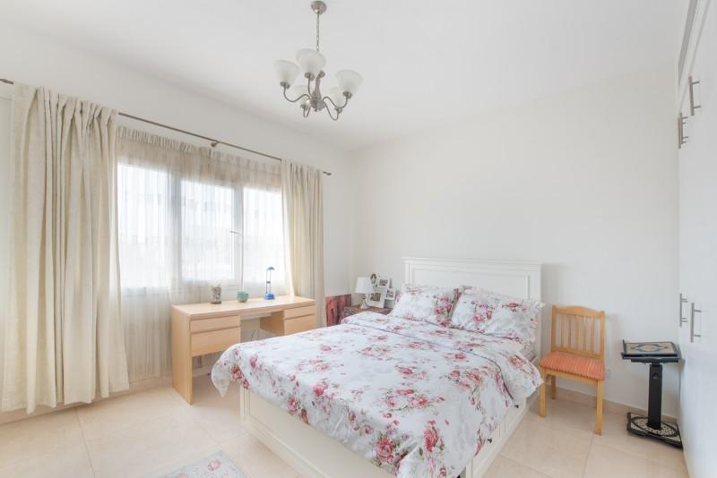 5 Bedroom Villa For Sale in  Meadows 6,  Meadows | 7