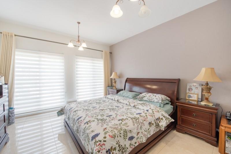 5 Bedroom Villa For Sale in  Meadows 6,  Meadows | 9
