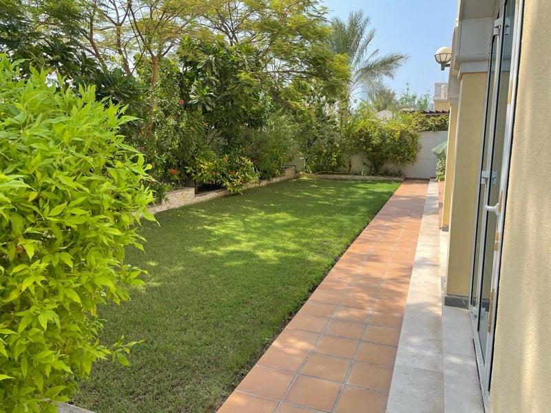 5 Bedroom Villa For Rent in  Legacy,  Jumeirah Park | 5