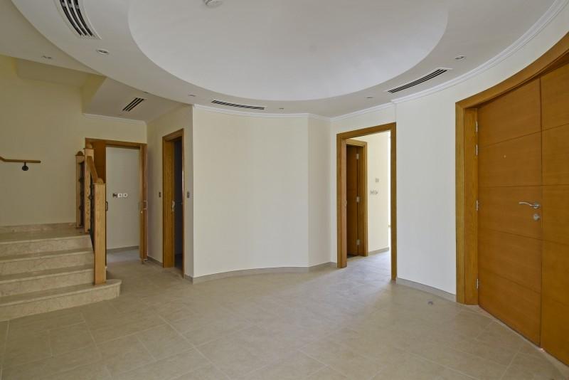 5 Bedroom Villa For Rent in  Legacy,  Jumeirah Park | 13