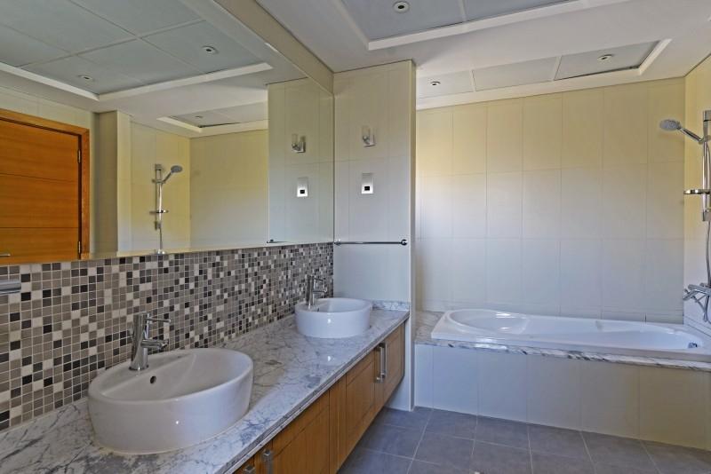 5 Bedroom Villa For Rent in  Legacy,  Jumeirah Park | 15
