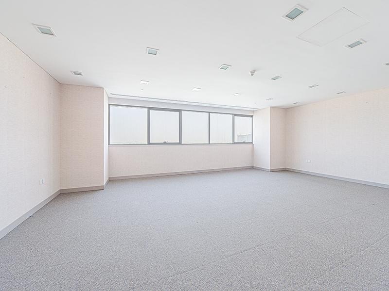 Studio Office For Rent in  Prestige Towers,  Mohammed Bin Zayed City | 3