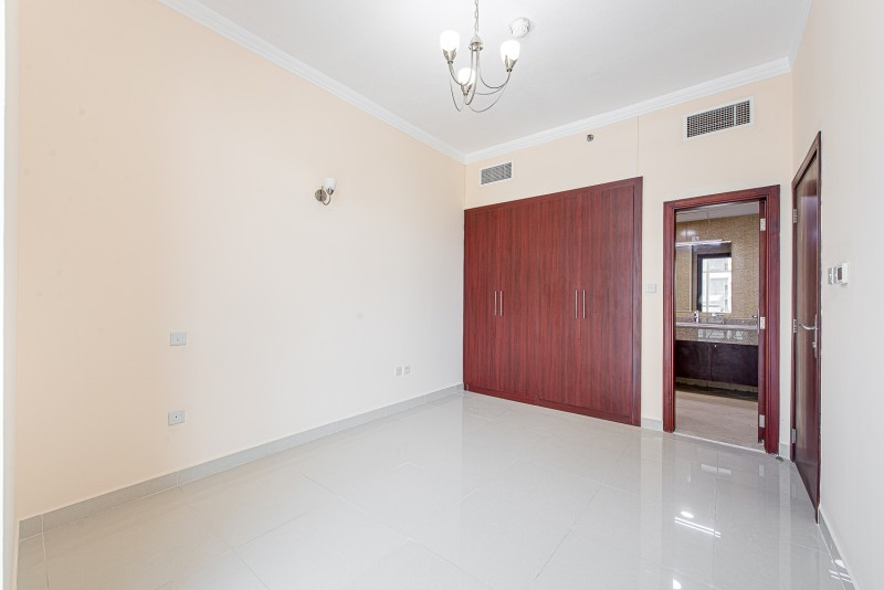 1 Bedroom Apartment For Rent in  Oasis Tower 1,  Dubai Sports City   2