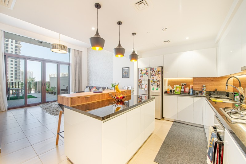 3 Bedroom Apartment For Sale in  Jenna Main Square (OP),  Town Square | 10