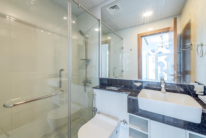 2 Bedroom Apartment For Rent in  Millennium Binghatti,  Business Bay   8