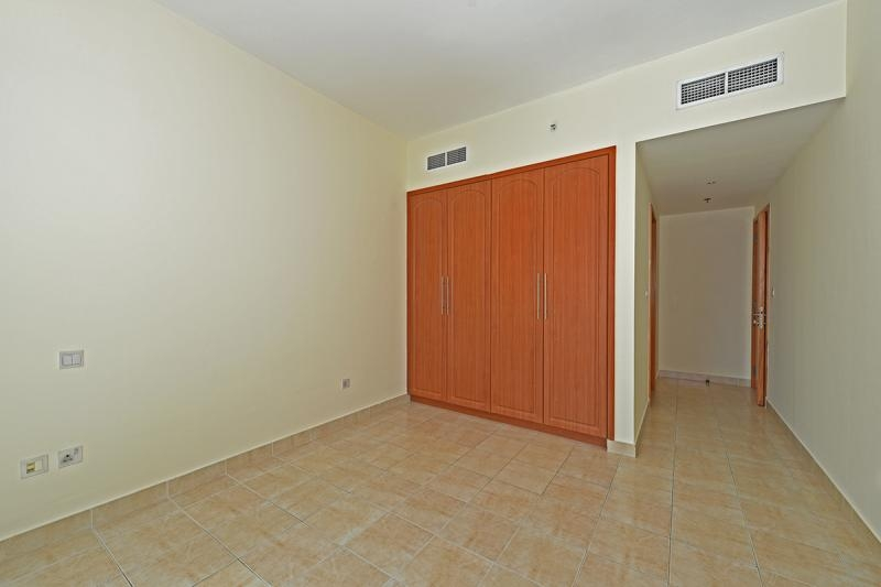 1 Bedroom Apartment For Sale in  The Waves Tower B,  Dubai Marina   5