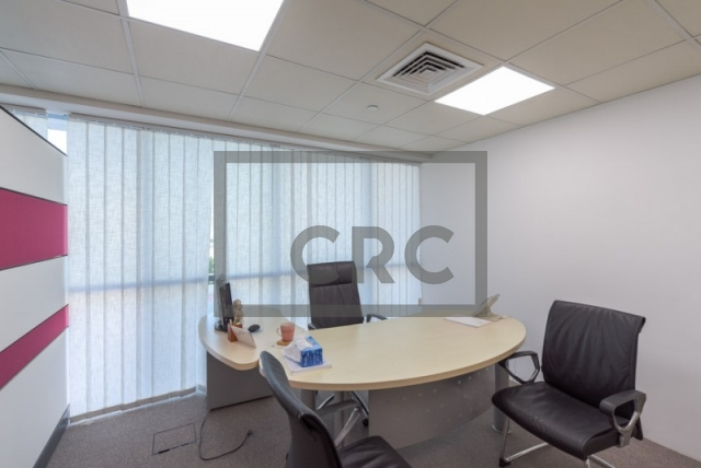 995 sq.ft. Office in Jumeirah Lake Towers, Indigo Tower for AED 850,000