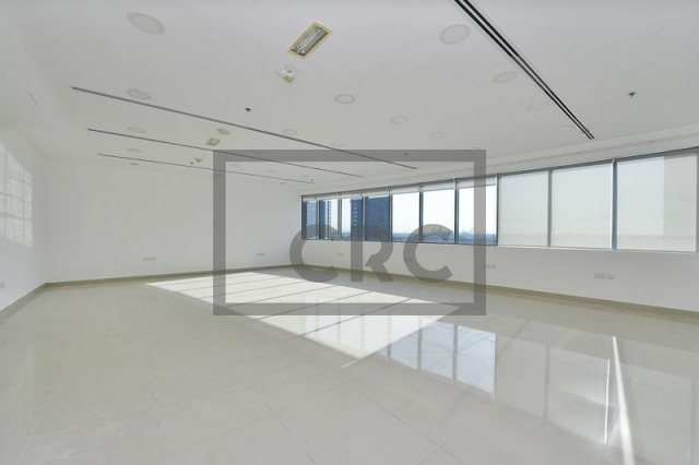 941 sq.ft. Office in Business Bay, Xl Tower for AED 790,000