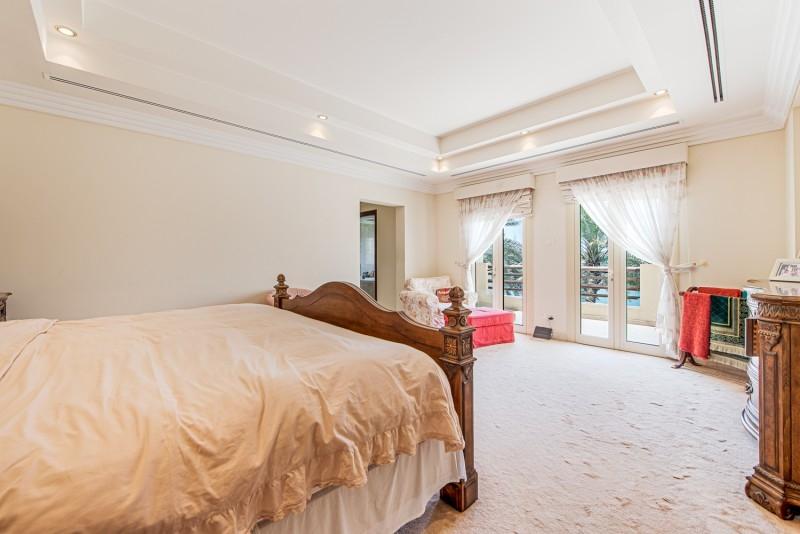 6 Bedroom Villa For Sale in  Meadows 8,  Meadows | 9