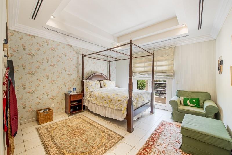 6 Bedroom Villa For Sale in  Meadows 8,  Meadows | 10