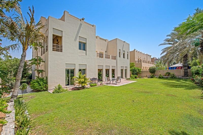 6 Bedroom Villa For Sale in  Meadows 8,  Meadows | 3