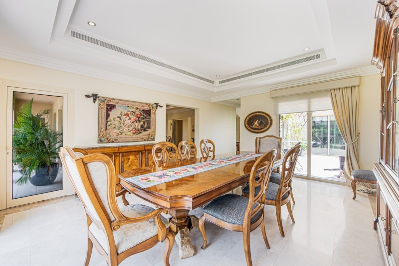 6 Bedroom Villa For Sale in  Meadows 8,  Meadows | 6