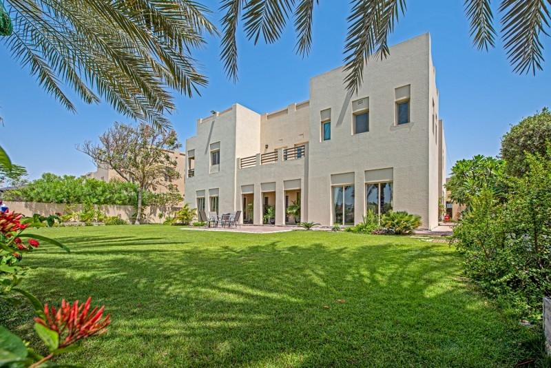 6 Bedroom Villa For Sale in  Meadows 8,  Meadows | 1