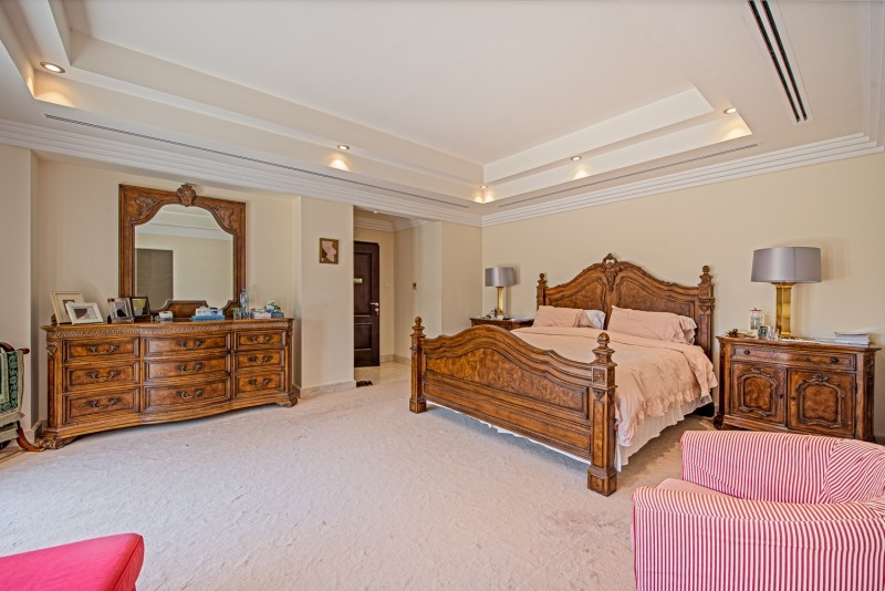 6 Bedroom Villa For Sale in  Meadows 8,  Meadows | 8