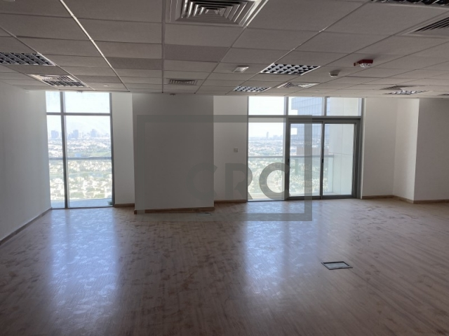 895 sq.ft. Office in Jumeirah Lake Towers, Tiffany Tower for AED 66,000