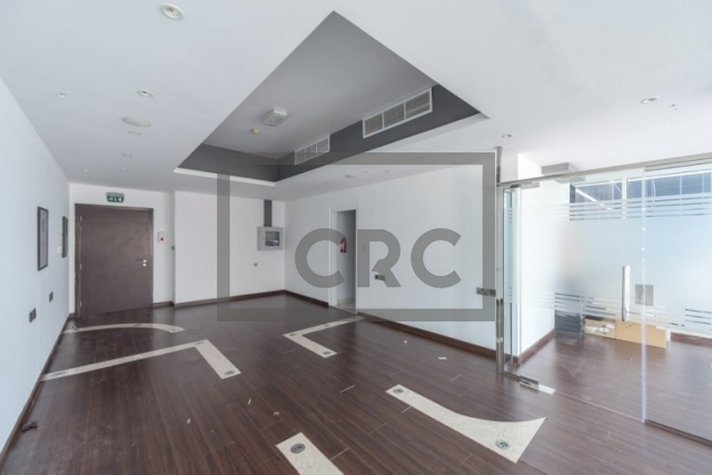 furnished office for sale in business bay, lake central | 3