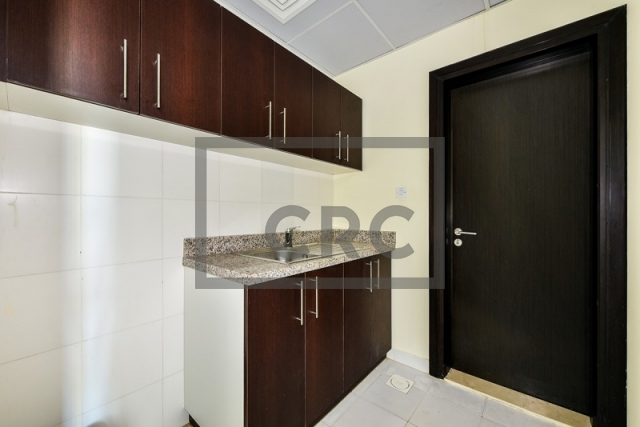 furnished office for sale in business bay, lake central | 4