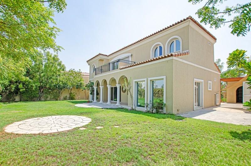 5 Bedroom Villa For Sale in  Family Villas,  Green Community   1