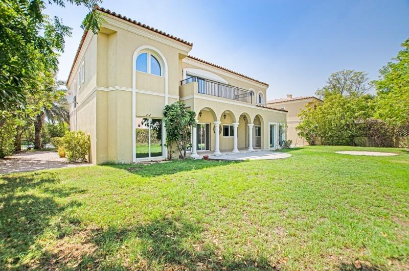 5 Bedroom Villa For Sale in  Family Villas,  Green Community   0