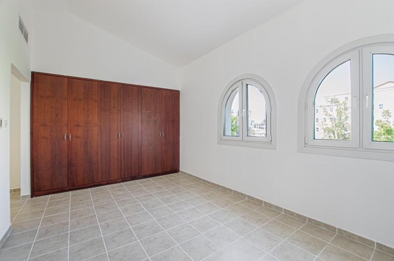 5 Bedroom Villa For Sale in  Family Villas,  Green Community   8