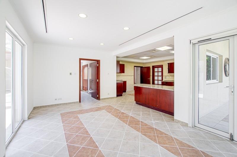 5 Bedroom Villa For Sale in  Family Villas,  Green Community   9