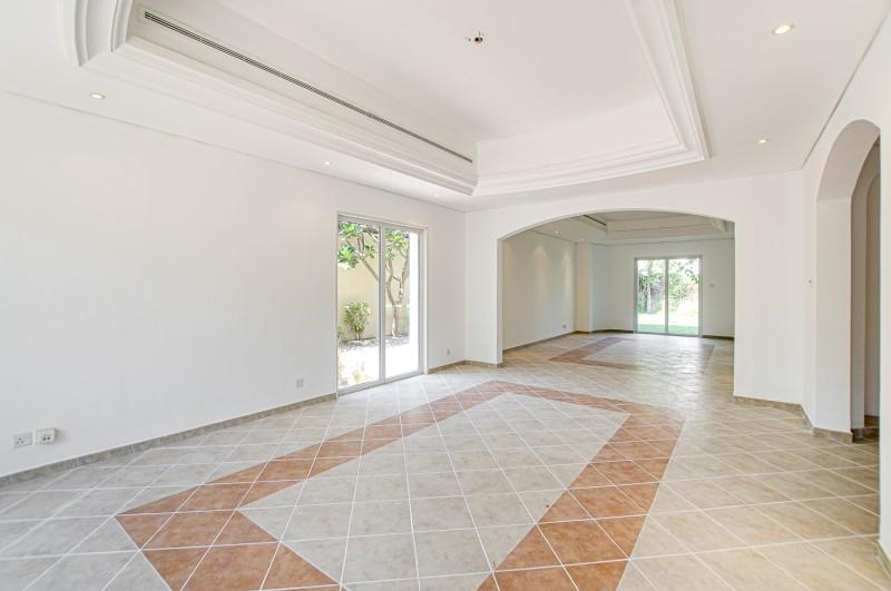 5 Bedroom Villa For Sale in  Family Villas,  Green Community   3