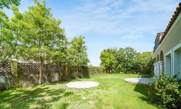 5 Bedroom Villa For Sale in  Family Villas,  Green Community   16