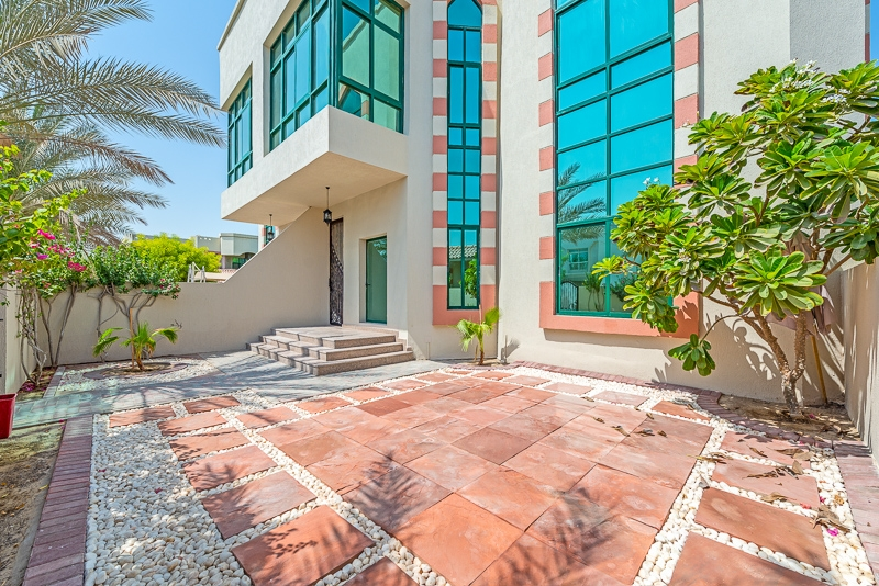 4 Bedroom Villa For Rent in  Umm Suqeim 2,  Umm Suqeim | 0