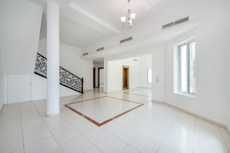 4 Bedroom Villa For Rent in  Umm Suqeim 2,  Umm Suqeim | 1