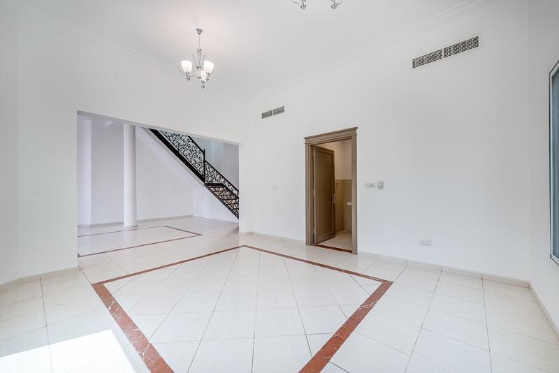 4 Bedroom Villa For Rent in  Umm Suqeim 2,  Umm Suqeim | 2