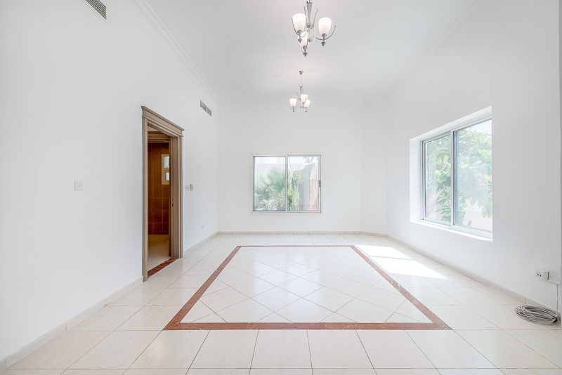 4 Bedroom Villa For Rent in  Umm Suqeim 2,  Umm Suqeim | 3