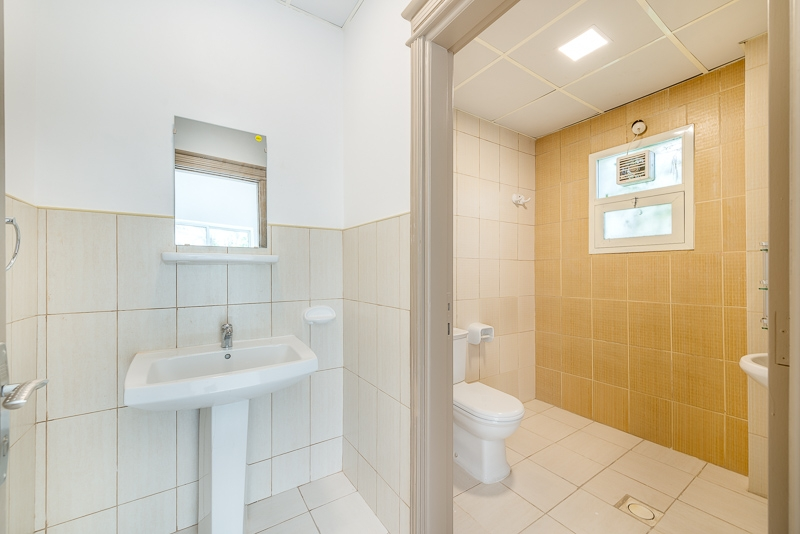 4 Bedroom Villa For Rent in  Umm Suqeim 2,  Umm Suqeim | 6