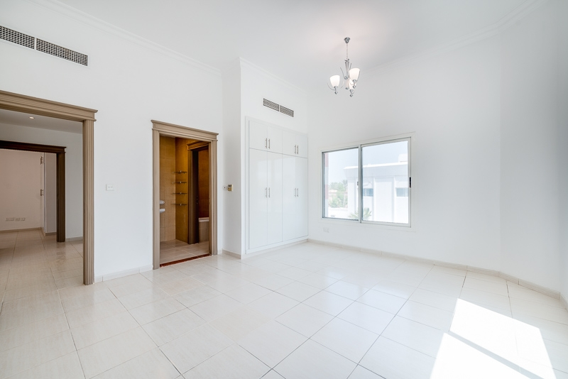 4 Bedroom Villa For Rent in  Umm Suqeim 2,  Umm Suqeim | 8