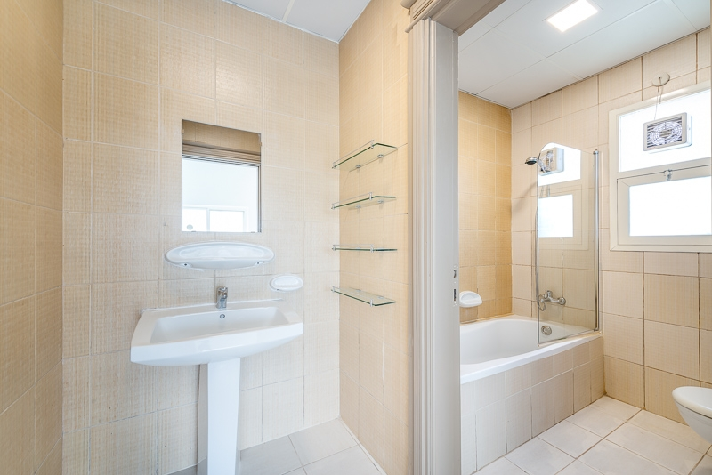 4 Bedroom Villa For Rent in  Umm Suqeim 2,  Umm Suqeim | 9