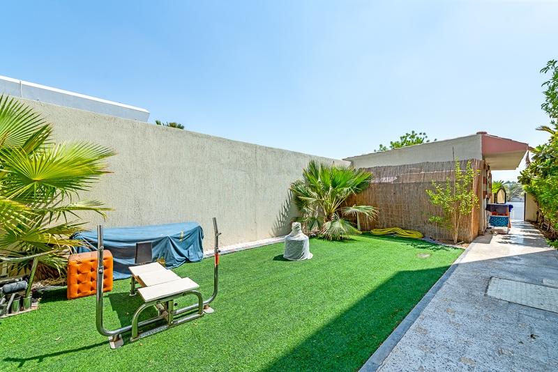 4 Bedroom Villa For Rent in  Umm Suqeim 2,  Umm Suqeim | 17