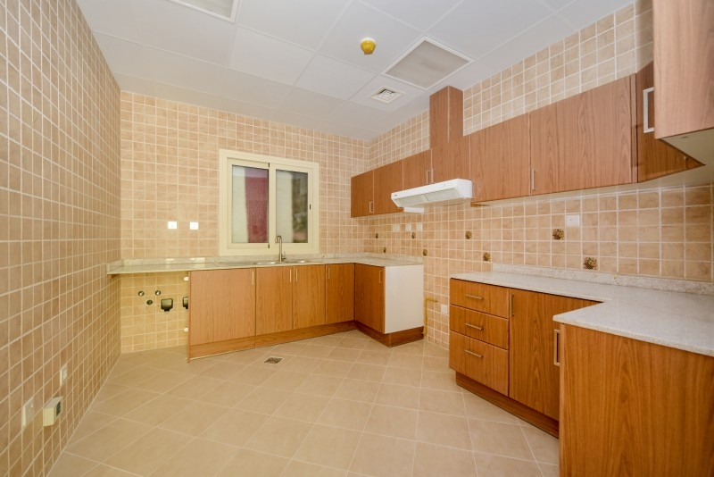 2 Bedroom Apartment For Rent in  Al Ferdous Building 1,  Al Safa   3