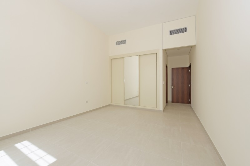 2 Bedroom Apartment For Rent in  Al Ferdous Building 1,  Al Safa   7