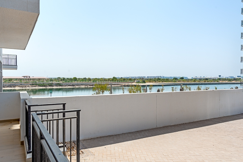 1 Bedroom Apartment For Rent in  Water's Edge,  Yas Island   2