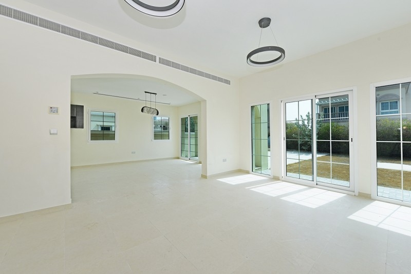 2 Bedroom Villa For Rent in  Mediterranean Villas,  Jumeirah Village Triangle | 4