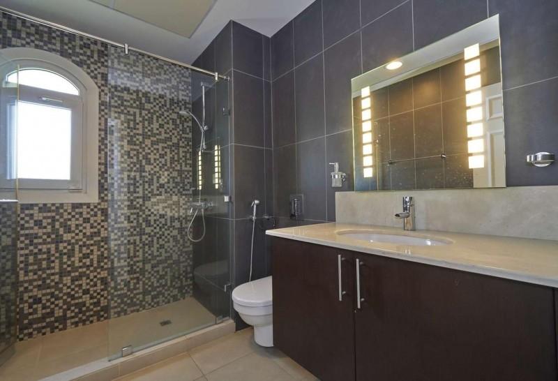 5 Bedroom Villa For Rent in  Sienna Lakes,  Jumeirah Golf Estates   7