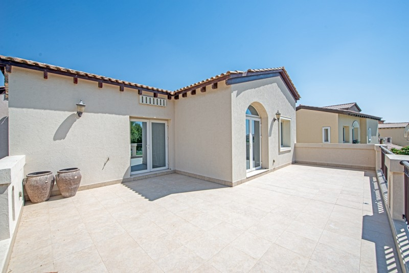5 Bedroom Villa For Rent in  Sienna Lakes,  Jumeirah Golf Estates   15