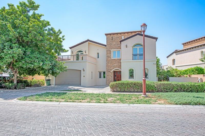 5 Bedroom Villa For Rent in  Sienna Lakes,  Jumeirah Golf Estates   1