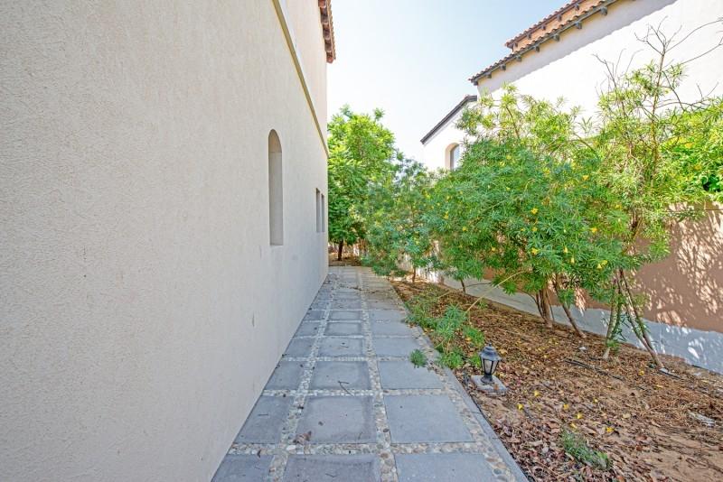 5 Bedroom Villa For Rent in  Sienna Lakes,  Jumeirah Golf Estates   8