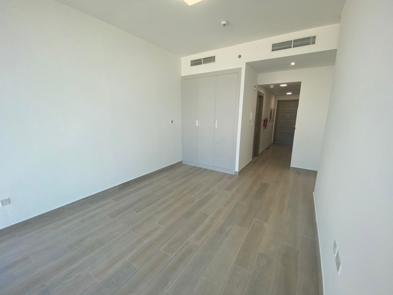 Studio Apartment For Rent in  Bloom Towers,  Jumeirah Village Circle   3