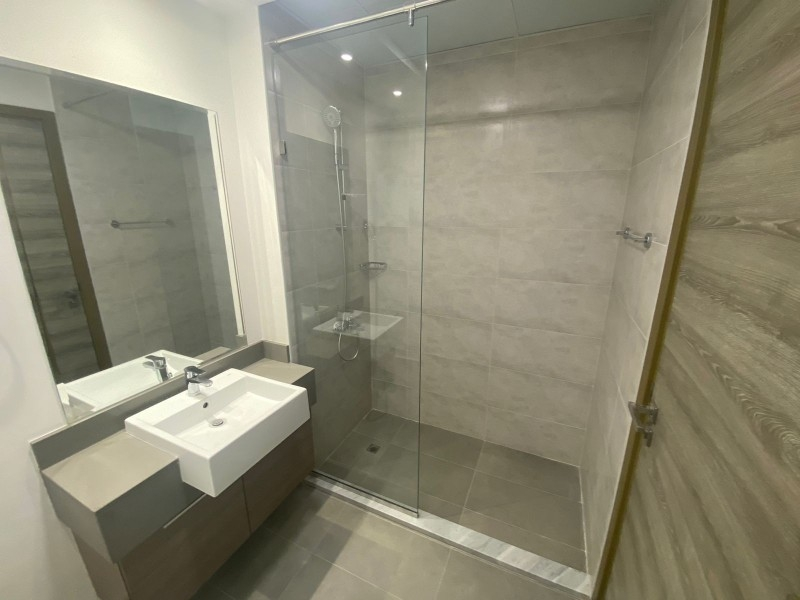 Studio Apartment For Rent in  Bloom Towers,  Jumeirah Village Circle   6