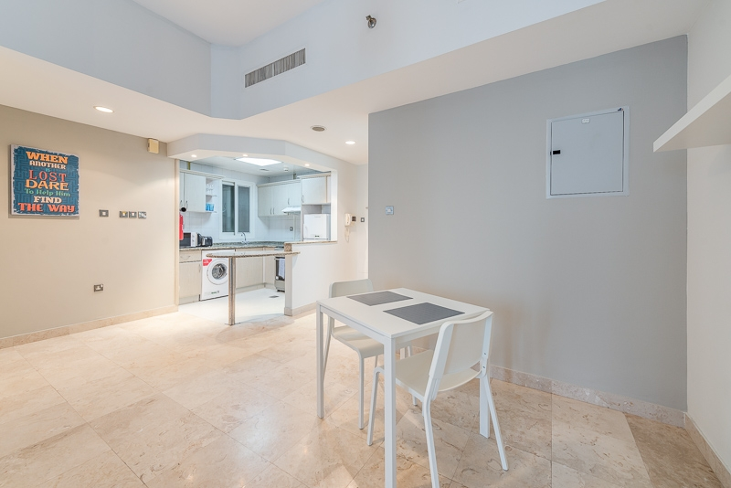 1 Bedroom Apartment For Short Term Rental in  Al Meraikhi Tower,  Sheikh Zayed Road | 3