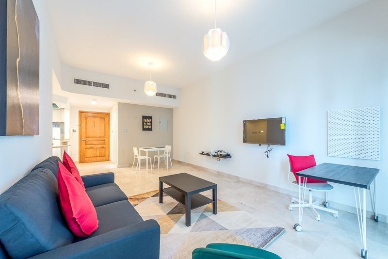 1 Bedroom Apartment For Short Term Rental in  Al Meraikhi Tower,  Sheikh Zayed Road   1