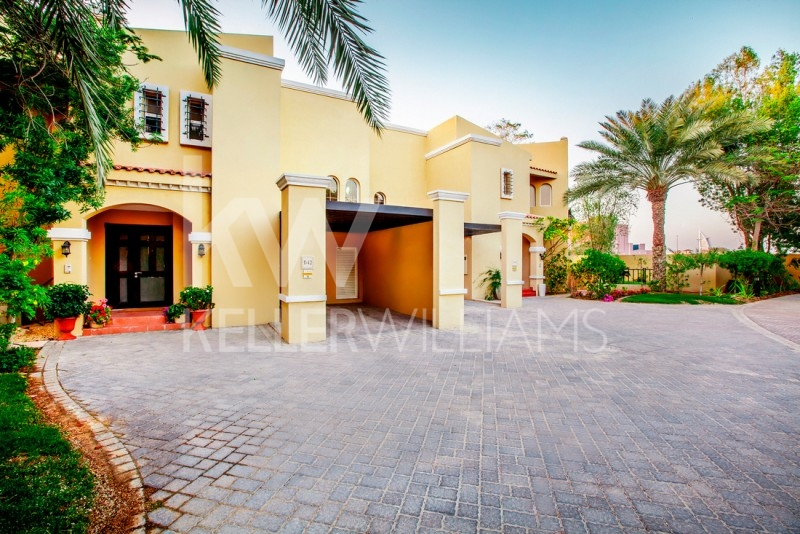 Beautiful Villa,  Best Location,  Close To Sheik Zayed Road